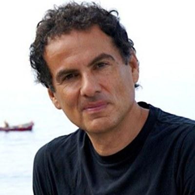 Andrea DE CARLO
